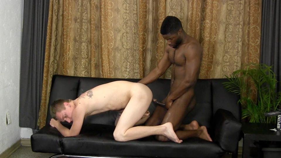 Straight-Fraternity-Warren-and-Tyler-Straight-White-Gets-Fucked-By-A-Big-Black-Cock-Amateur-Gay-Porn-21 Straight White Boy Takes A Big Black Cock Up The Ass