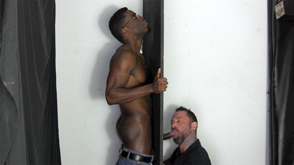 Stud Gets Mouth Fucked By Gay On Gloryhole